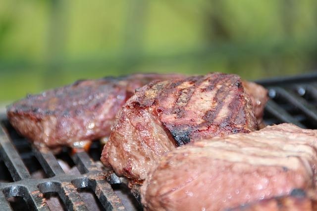 Mäso na grile.jpg
