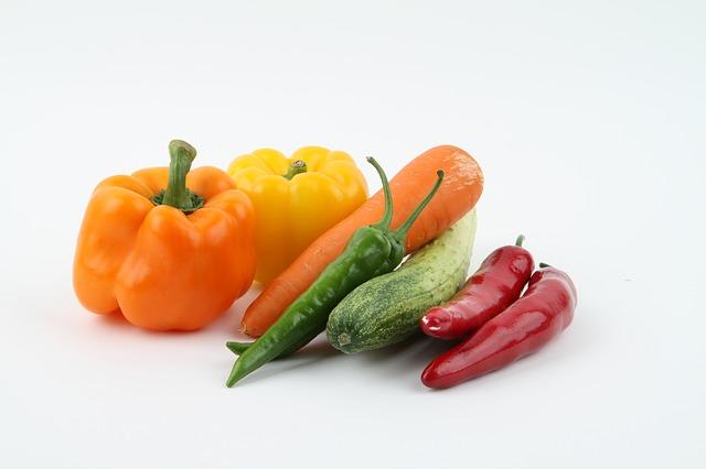 Paprika, mrkva a uhorky.jpg