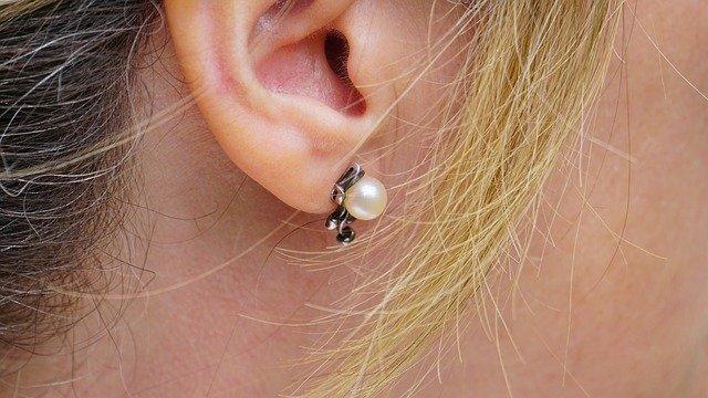 Strieborné náušnice s perlou.jpg