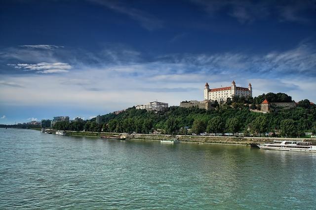 Dunajské nábrežie.jpg